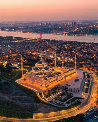 Istanbul_Turkey_021221A