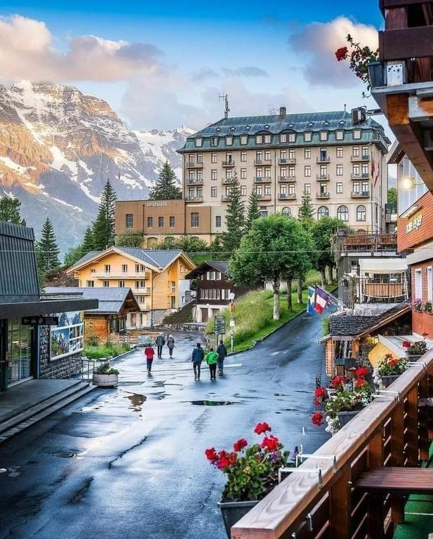 Murren_Switzerland_053021A