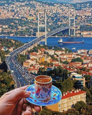 Istanbul_Turkey_120120A