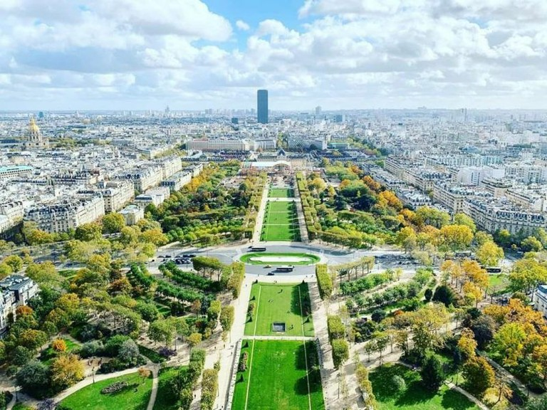Paris_France_Civil_Engineering_Discoveries_110320A