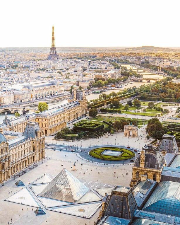 Paris_France_111720A