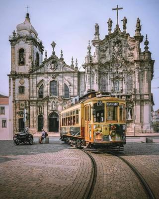Porto_Portugal_120120A