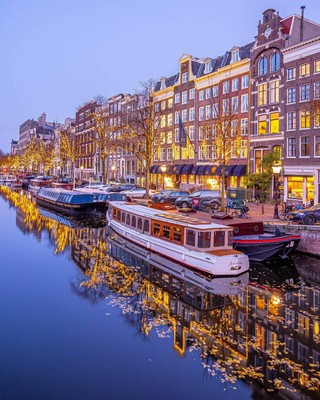 Amsterdam_Netherlands_120320A