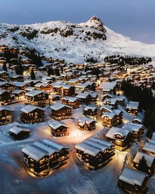 Switzerland_122620A